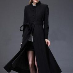 matrik-giysisine-benzeyen-alt-kismi-acik-olan-belden-baglanan-siyah-renkli-bayan-kabani