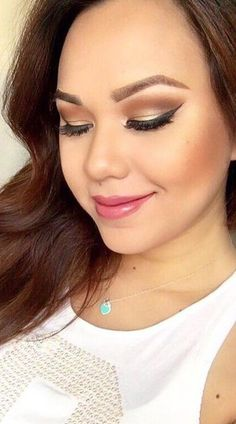 Pink Lips + Highlight + Contouring + Gold Eyelid + Brown Crease