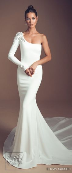Elihav Sasson Wedding Dresses 2019 & Enamoured Collection & Simple fitted wedding dress, one sleeve with beading shoulder detail Simple Wedding Gowns, Gorgeous Wedding Dress, Dream Wedding Dresses, Bridal Dresses, Bridal Collection, Dress Collection, Dresses Elegant, Elegant Bride, Dream Dress