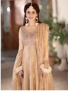 Bridal Mehndi Dresses, Nikkah Dress, Pakistani Formal Dresses, Pakistani Wedding Outfits, Pakistani Wedding Dresses, Stylish Dress Designs, Stylish Dresses, Casual Dresses, Engagement Dresses