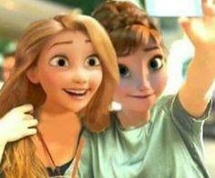 Funny disney characters caught taking selfies! Disney And Dreamworks, Disney Pixar, Walt Disney, Disney Tangled, Disney Frozen, Disney Movies, Jelsa, Rapunzel, Disney Characters Dress Up