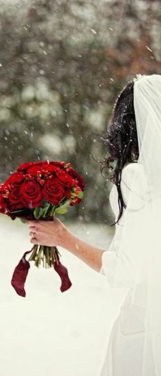 Red + white = incredibly romantic photos!