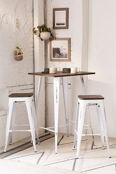 Urban Outfitters Oregon High Top Dining Set | Scandinavian Design Interior Living | #scandinavian #interior