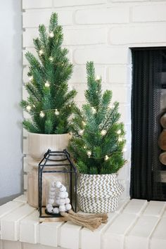 Here are best boho Christmas decor ideas. From Boho chic Christmas tree to DIY Ornaments & Stockings to Colorful Bohemian Christmas decor ideas are here. Scandinavian Christmas Decorations, Farmhouse Christmas Decor, Rustic Christmas, Xmas Decorations, Simple Christmas, Christmas Holidays, Christmas Crafts, Holiday Decor, Beautiful Christmas