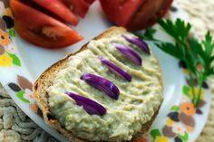 Erdélyi tejfölös majonézes cukkini friss kenyérre, vagy pirítósra kenve - MindenegybenBlog Diabetic Recipes, Diet Recipes, Vegan Recipes, Snack Recipes, Snacks, Sandwich Cream, Hungarian Recipes, No Bake Cake, Vegan Vegetarian