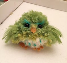 - Best Picture For school crafts For Your Taste You are looking for something, and it is going to t - Pom Pom Owl, Pom Pom Animals, Pom Pom Wreath, Easy Fall Crafts, Holiday Crafts For Kids, Christmas Crafts, Yarn Dolls, Pom Pom Crafts, Bird Crafts