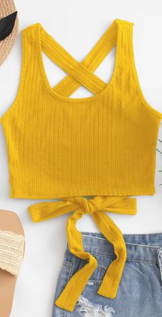 Winter Fashion Trends 2020 for Casual Outfits Girls Fashion Clothes, Teen Fashion Outfits, Trendy Fashion, Girl Fashion, Girl Outfits, Cute Comfy Outfits, Stylish Outfits, Cute Crop Tops, Tank Tops