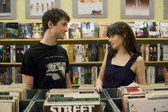 How to Tell a Guy You Love Him? How to tell a guy you love him? How to tell a guy you love him without saying it? Tell a guy you love him first. Telling a boyfriend you love him first. Flirting Memes, Flirting Quotes For Him, 500 Dias Con Summer, Best Romantic Movies, Breakup Movies, Bon Film, Joseph Gordon Levitt, Zooey Deschanel, Film Aesthetic