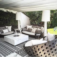 Loving this outdoor space by #EstherExtraordinaire #Interiordesigner #HGTV #Designer #interiordesign #interiordesignideas #interiordesigners #homedeco…