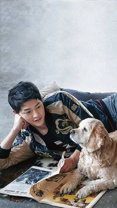 Two awesome snuggle buddies in one pic ❤ Song Joong, Song Hye Kyo, Korean Star, Korean Men, Asian Actors, Korean Actors, Descendants, Soon Joong Ki, Park Bogum
