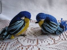 Titmouse and sparrows from yarn1633