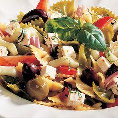 Salade de pâtes aux légumes et au fromage Fetos