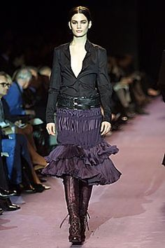 Saint Laurent Fall 2001 Ready-to-Wear Fashion Show - Vicky Andrén