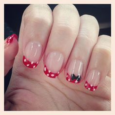 Disney Mickey Mouse & Minnie Mouse manicure