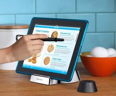 Belkin #Chef Stand - Just what you need for the #kitchen! When your hands are all mucked up and you don't want to touch the #iPad. http://www.methodshop.com/2011/12/awesome-ipad-accessories.shtml