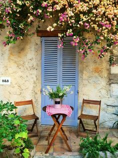 Antibes, Provence, Cote d'azur, France. The perfect place for a romantice sit down. Lot's more of this at http://theculturetrip.com