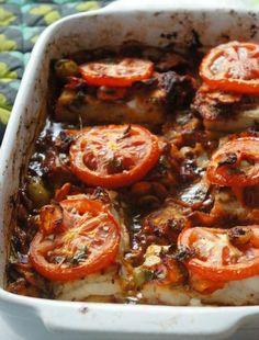 Poisson au Four à la Marocaine Healthy Cooking, Cooking Recipes, Healthy Recipes, Fish Recipes, Seafood Recipes, Ramadan Recipes, Baked Fish, Fish Dishes, Oven Dishes