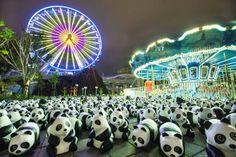 1600 pandas en papier mâché envahissent la ville de HongKong pour défendre leur brutale disparition