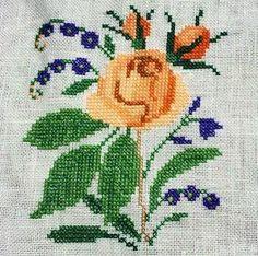 #kanava #kanaviçe #kanevice #çaprazdikiş #karesayma #karekareişle #crossstitch #çarpıişi #kaneviçe #etamin #etaminişleme #kreuzstitch #korssting #korsstygn #puntodecruz #pointdecroix #puntocroce #işleme #embroidery