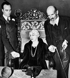 On Halloween night in 1936, Harry Houdini's wife Bess made her final attempt to fulfill their pact and make contact with the world's greatest escape artist from beyond the grave.