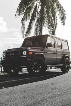 Mercedes Benz G Class... Recently became obsessed and now I can't stop looking at it