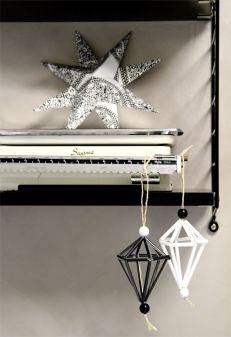 Diamonds made of straws. Pillitimantit. Christamsdecoration. Joulukoristeluita.