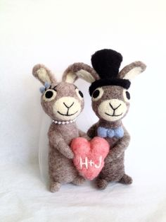 AdoraWools Shop - AdoraWools - Needle Felted Gifts & Wedding Cake Toppers