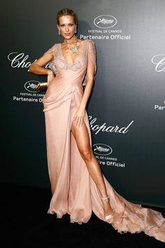 Metallic Colors are Trending at Cannes Petra Nemcova in Elie Saab rose gold gown during Cannes Film Festival More Trending Metallic at Cannes More Best Dressed Looks. Nyc Fashion, Star Fashion, Fashion Trends, Blush Dresses, Nice Dresses, Maxi Dresses, Bridal Dresses, Wedding Gowns, Elie Saab