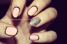 Accent nails - A little bit retro, a little bit modern