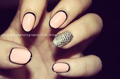 Nails outlined in black w/ studded accent nail