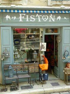 . Antique Shops, Vintage Shops, Boutiques, Vitrine Design, Shop Facade, Provence France, Shop Fronts, Boutique Stores, Lovely Shop