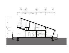 Leaning House  / PRAUD