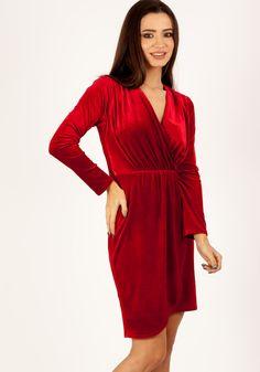 Rochie MOZE din catifea cu umbre,petrecuta la bust si la fusta,asimetrica. Lungimea produsului la marimea 42 este de 91 cm Wrap Dress, Dresses, Fashion, Fashion Styles, Wrap Dresses, Dress, Fashion Illustrations, Gown, Trendy Fashion