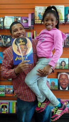 A loving father writes a book for his daughter and about his daughter❤