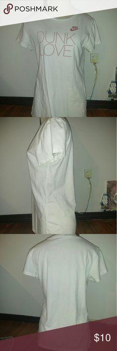 XL NIKE shirt Good condition  Smoke free No stains No rips No holes Nike Tops