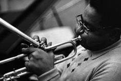 """""""Photography is jazz for your eyes"""" ~William Claxton The photographs of William Claxton define the essence of cool -- . William Claxton, Jazz Artists, Jazz Musicians, Dizzy Gillespie, Afro Cuban, Soul Jazz, Intelligent Women, All That Jazz, Miles Davis"""