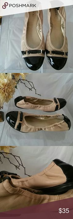 """Two Tone Tahari Leather Veronica Flats The flats have silver tone hardware at the toe, shoes show slight wear in the form of light scuff marks. Approximate heel height: .25"""" Size: 7.5 M Tahari Shoes Flats & Loafers"""
