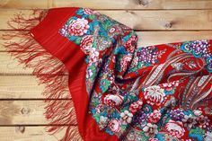 Schal À LA RUSSE / Shawl À LA RUSSE / Russisches Tuch / Russischer Schal / Russian scarf / foulard russe / Le châle russe / Schal à la Russe / shawl a la Russe/ scialle russo / Pañuelo, Chalina Rusa / Pañuelo, Chal Tradicional Ruso Typical Russian, Russian Fashion, Floral Scarf, Vera Bradley Backpack, Folklore, Victorian Fashion, 4th Of July Wreath, Scarves, Fashion Accessories