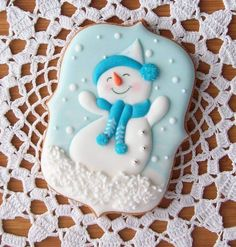 best ideas about Snowman Cookies Christmas Biscuits, Christmas Sugar Cookies, Christmas Cupcakes, Christmas Sweets, Noel Christmas, Holiday Cookies, Christmas Baking, Fancy Cookies, Iced Cookies