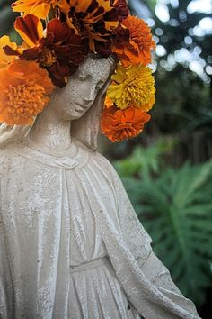 The Temple of Mary: The Light Shall Return Temple, Mary, Statue, Lighting, Garden, Garten, Temples, Lawn And Garden, Lights