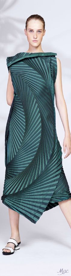 Resort 2016 Issey Miyake women fashion outfit clothing style apparel @roressclothes closet ideas