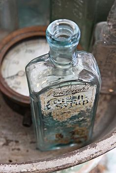 I love old glass bottles and jars. Old Medicine Bottles, Old Glass Bottles, Apothecary Bottles, Altered Bottles, Antique Bottles, Vintage Bottles, Bottles And Jars, Antique Glass, Perfume Bottles