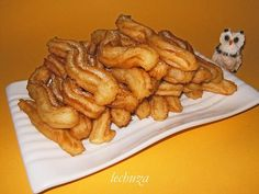 Christmas morning churros españoles the real thing. New Recipes, Sweet Recipes, Favorite Recipes, Food N, Food And Drink, Cookie Desserts, Dessert Recipes, Peruvian Desserts, Fritters