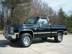 1987 Chevrolet Scottsdale Liter Engine 400 Turbo Trans P/S P/B A/C LOOK. Here is a sharp and mostly original 1987 Chevy Scottsdale SWB truck. Chevy Pickup Trucks, Gm Trucks, Chevy Pickups, Chevrolet Trucks, Chevrolet Silverado, Cool Trucks, Chevy K10, Old Trucks For Sale, Cool Truck Accessories