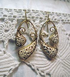 by artemisiaclay, via Flickr, mixed media wire wrapping & polymer clay