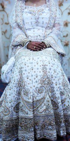 Goooorgeous Muslim Bride.