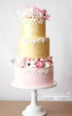 Featured Wedding Cake: Sugared Saffron Cake Studio; www.sugaredsaffron.co.uk; Wedding cake idea.