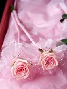 Image detail for -Flower Girl Bouquet - Bridal Bouquet Ideas For The Flower Girl April Wedding, Rose Wedding, Diy Wedding, Wedding Flowers, Dream Wedding, Wedding Fayre, Wedding Ideas, Flower Girl Wand, Flower Girl Bouquet
