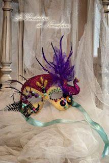 un precioso antifaz artesanal de la Vendedora de Nenufares
