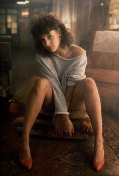 Jennifer Beals as Alexandra 'Alex' Owens in the 1983 film Flashdance Jennifer Beals, 80s Movies, Great Movies, Movie Stars, Movie Tv, Dance Movies, Pop Culture Halloween Costume, Halloween Costumes, 1980s
